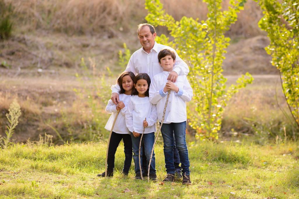 Papá con sus niños